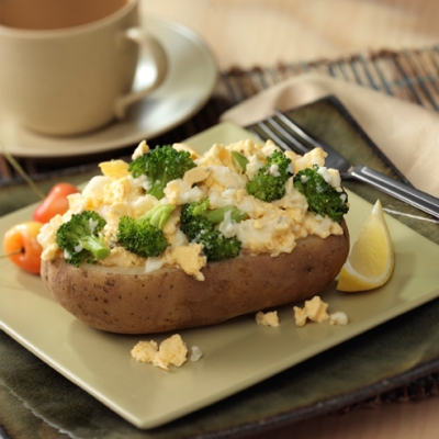 Broccoli-Egg Stuffed Baked Potatoes Recipe
