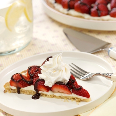Strawberries 'N Cream Dessert Pizza