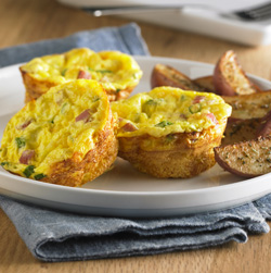 Crustless Ham and Swiss Mini Quiches Recipe
