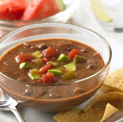 Sopa de Frijoles Negros para el Verano