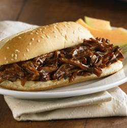 Sándwiches de Cerdo Desmenuzado con Salsa Barbacoa