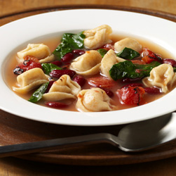 Sopa de Tortellini y Vegetales