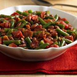 Frijoles con Habichuelas Verdes (Ejotes, Green Beans) y Tomates