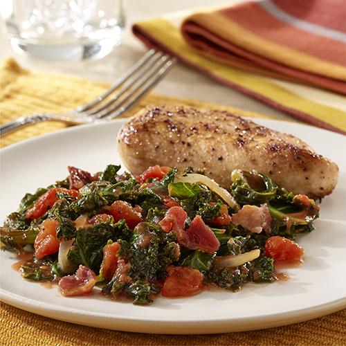 Col Rizada ('Kale') con Tocino y Tomates
