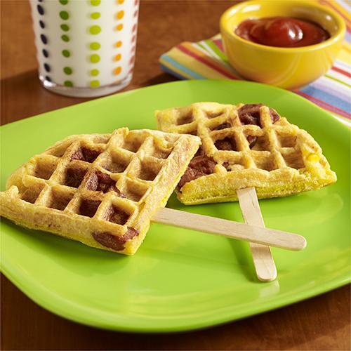 'Waffles' de Maíz con Salchicha