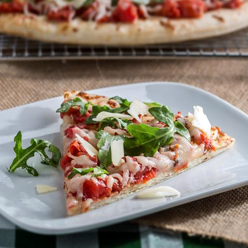 Tomato and Arugula Grilled Pizza - Recipe | ReadySetEat